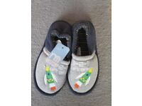 Size 9 Slippers still with tags on