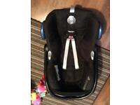 Maxi Cosi Car Seat, isofix base and car seat to pram adapters!