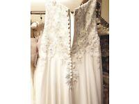 BRAND NEW SIZE 12 stunning wedding dress