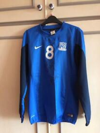 Southend United training top - signed.