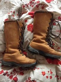 Brasher shearling Lined walking boots size 40/7