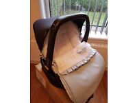 Maxi cosi pebble car seat with isofix and spanish designer cosy toes