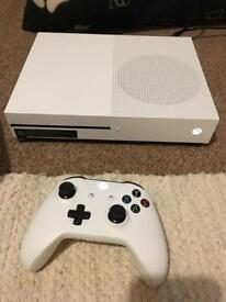 Xbox One S - 1TB boxed with controller
