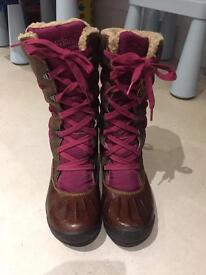 Almost new Timberland women's boots