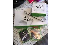 XBox One S 500GB 5 Months Old in box with extra controller, Forza Horizon 3 and Forza Motorsport 6