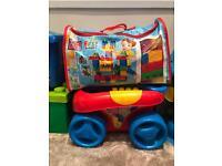 Mega Blok Wagon & 160 Piece Pack