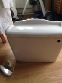 A ceramic cistern for toilet