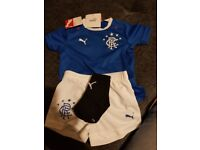 Infant full Glasgow Rangers kit with tags. 6-9 months
