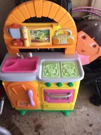 Dora kitchen and accessories