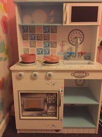 Children's wooden toy kitchen. Excellent condition.
