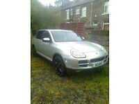 porsche cayenne 4.5 v8 auto....... few mths mot, private plate, needs tlc...................£4200