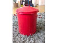 5/6 L Red Metal Rubbish Bin