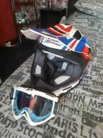 Pro grip motorbike helmet