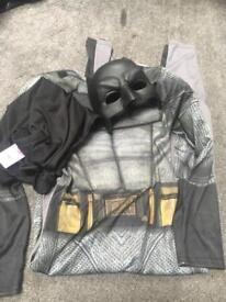 Kids batman costume age 9-10 with mask and cape