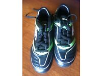 Umbro Black and Green Kids Football Boots.