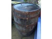 Superb Large Vintage Rustic Wooden Oak Decorative Whiskey Barrel
