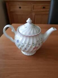 Tea Pot Summer Chintz
