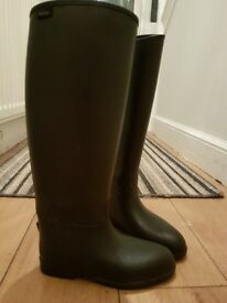 Dublin riding boots size 4