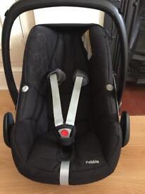 MaxiCosi rear facing car seat(immaculate)