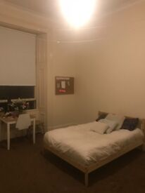 Large Room available in furnished 4 bedroom flat on PARK CIRCUS PLACE with 3 students