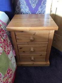 Solid Oak Bedside Table £30 each (2 Available) £50 for both