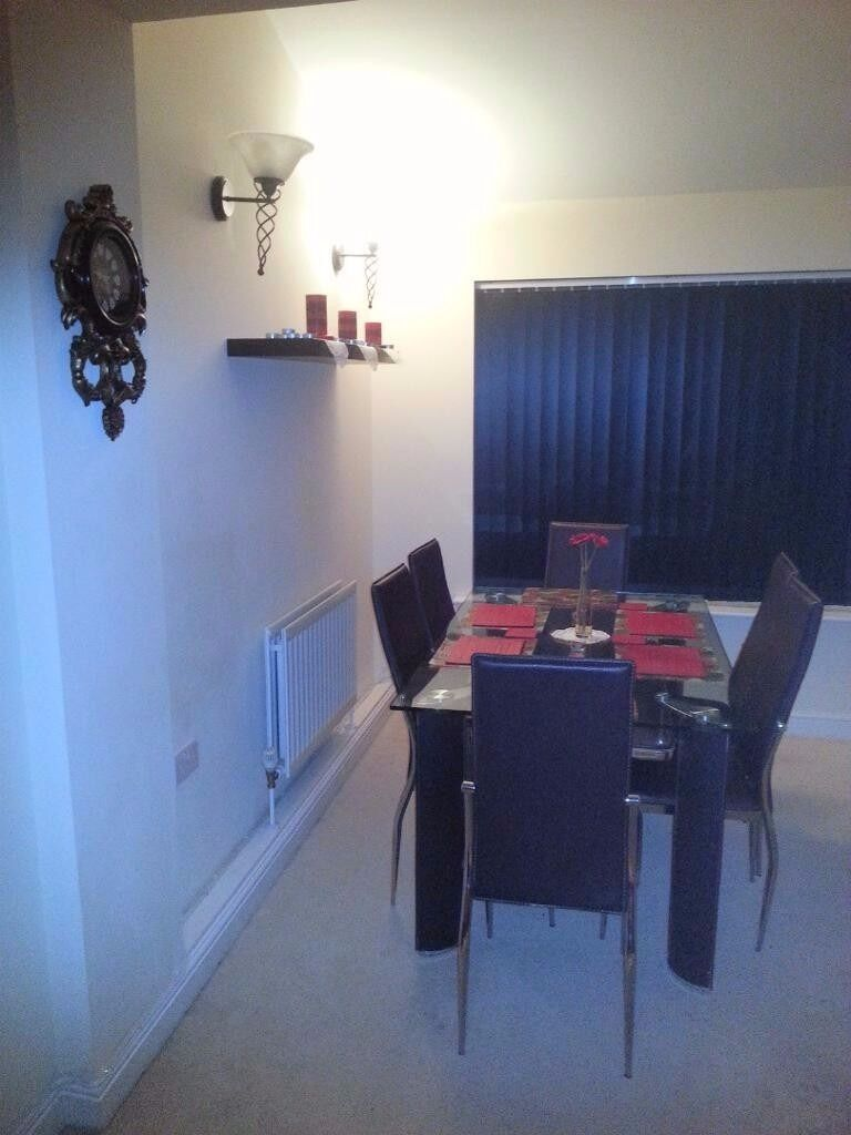 EN4,double room,furnished,cleanwarm,friendly house,residential parking allocated,garden,wifi,sky tv