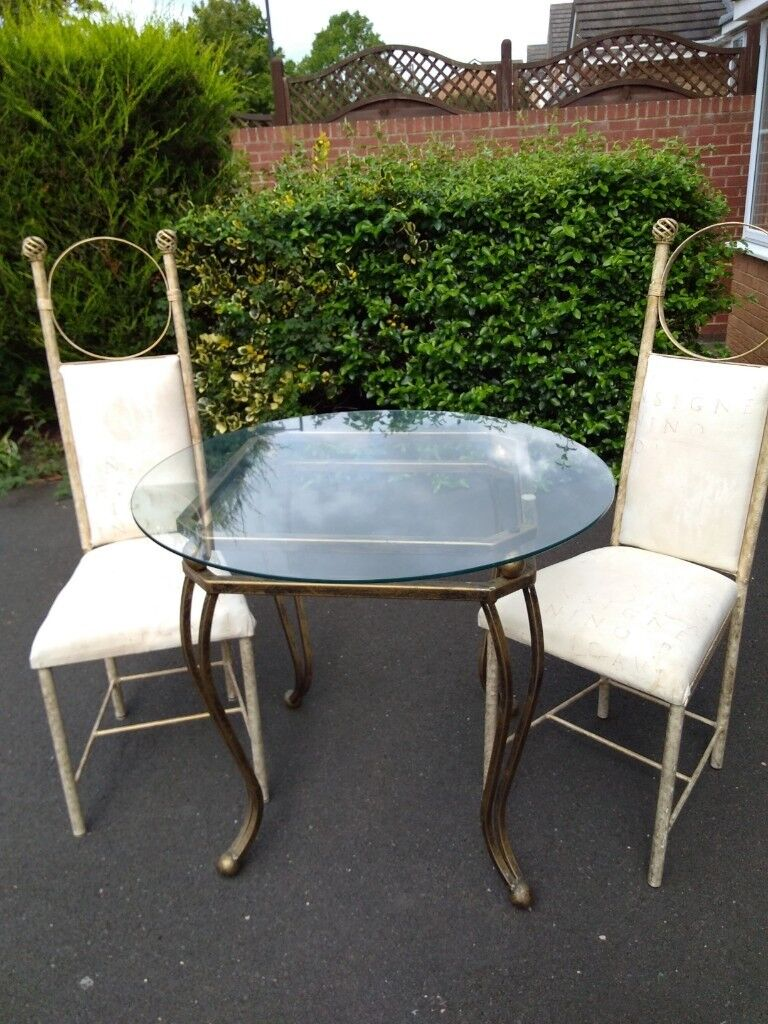 Round Glass Top Table 2 Chairs