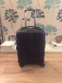 Cabin Size Hard Samsonite Suitcase in Black