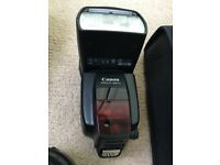 Canon 580EX II Speedlite Flash Unit with original pouch ****Superb condition******
