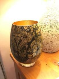 Ornament vase golden flowers gold pattern