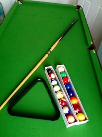 Snooker Table 6' foot long in like new condition