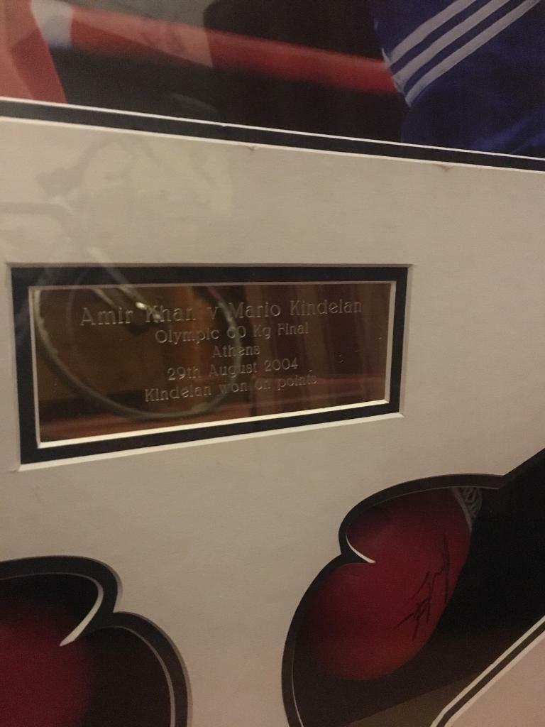 Amir khan signed frame