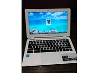 Acer Chromebook 11 (Chrome book model no CB3-111) 16Gb Storage 2Gb RAM Excellent condition