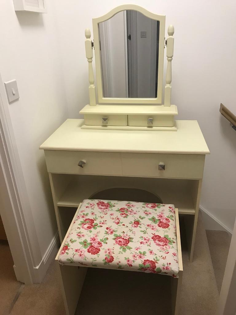 Dressing Table With Mirror And Stool: Cream Dressing Table, Stool & Mirror With Drawers