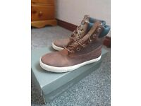 Brand new womens geniune timberland brown boots