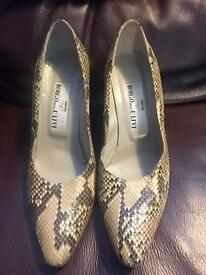 Ladies shoes made in Italy in Size 40 U.K. 6.5 by Borgo Degli Ulivi Firenze In a Crocodile style