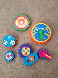 Tomy magnetic cogs