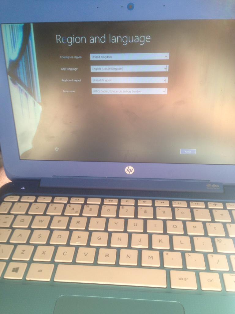 reset laptop with broken screen