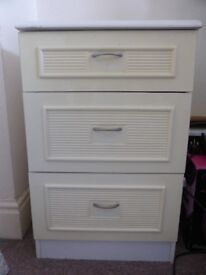 White and cream chest of drawers