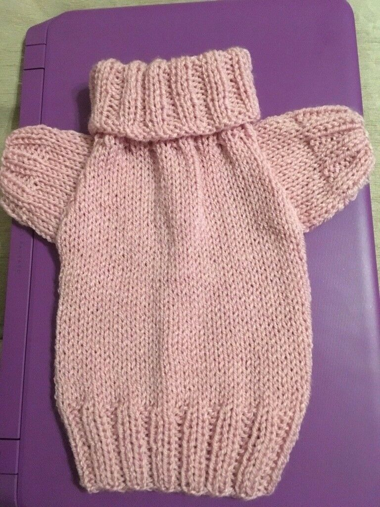 HAND KNITTED DOG JUMPER