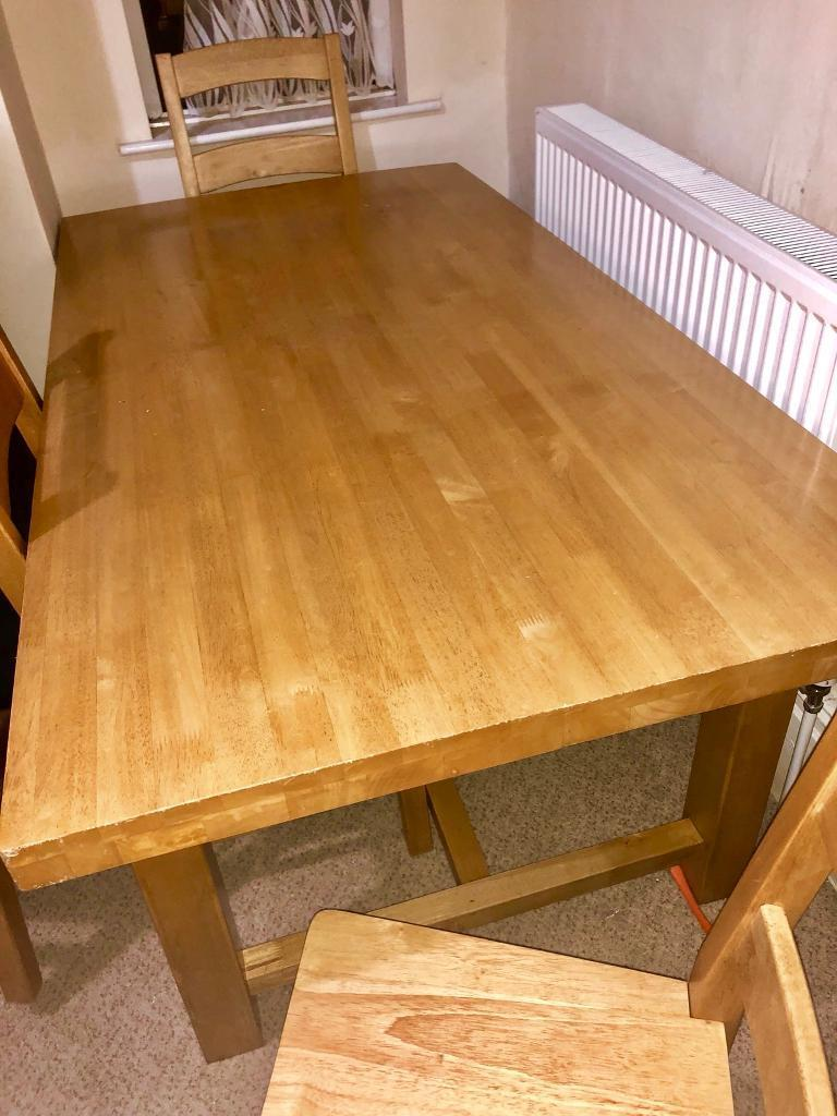 Table 6 chairs oak!