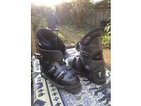 Rossignol Comp J childs ski boots.