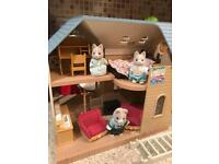 Sylvanian Families Bluebell Lodge Fully Furnished In excellent condition