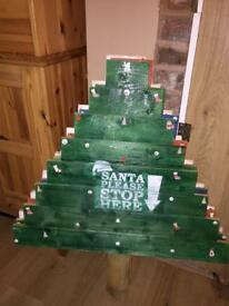 Pallet wood Christmas trees.