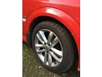 17ins Vauxhall vectra Sri alloys all good tyres