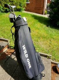 Left-handed golf club set, with bag and stand