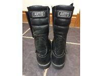 AKITO BLACK LEATHER BIKER BOOTS - SIZE 6