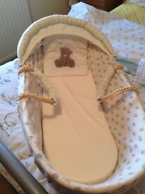 Moses basket and covers