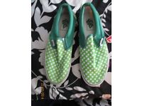 MENS VANS GREEN WITH WHITE POLKA DOTS BRAND NEW SIZE 7 SLIP ON CASUAL SHOES