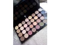 Revolution ultra eyeshadow palette 32 piece